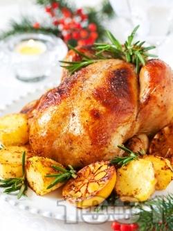 Пълнено коледно пиле с ориз, орехи и сушени плодове (стафиди, кайсии, сини сливи) печено на фурна - снимка на рецептата